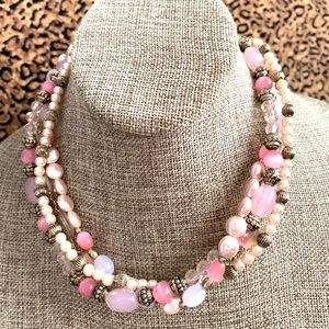 Jewelry - Necklace beaded choker pearl adjustable